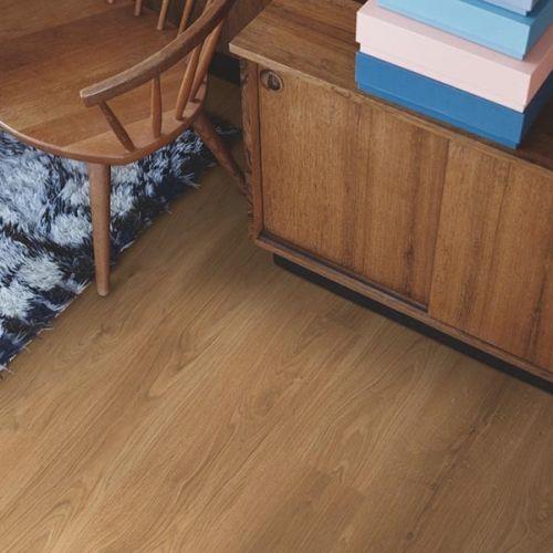 Pergo Living Expressions Classic Plank 4V Laminate Wooden Flooring - 1.596sqm per pack - Natural Oak (18140)