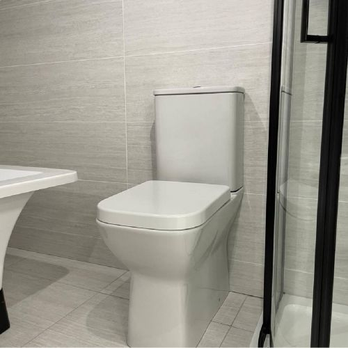 Linea Comfort Height Rimless WC Pan, Cistern & Soft Close Seat (19509)