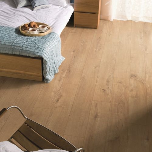Sherwood Oak 12mm Laminate Wooden Flooring - 1.48sqm per pack (19094)